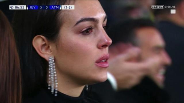 Bạn gái C.Ronlado nghẹn ngào khi chứng kiến người yêu tỏa sáng trước Atletico - 2
