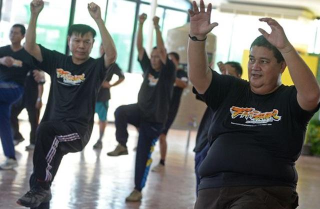 Thừa cân béo phì, cảnh sát Thái Lan bị gửi đến trại... triệt mỡ - 4