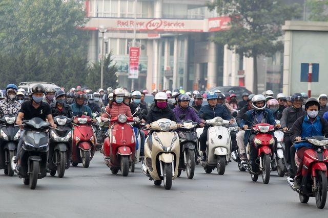 Không nên cấm xe máy trên toàn tuyến đường Nguyễn Trãi hoặc Lê Văn Lương