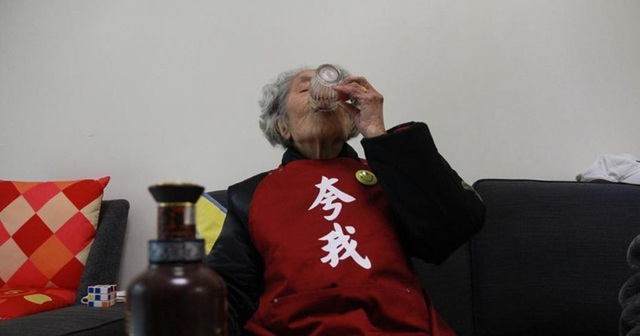 cụ bà 98 tuổi - 1.jpg