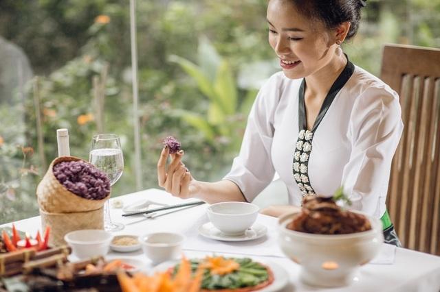 Người đẹp truyền thông Phùng Ngọc Bảo Vân thích thú khám phá tết Mường Thanh - 5