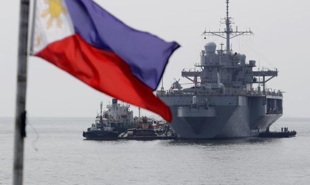 Tàu chỉ huy hiện đại nhất của Hải quân Mỹ đi qua Biển Đông - 4