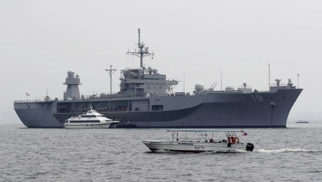 Tàu chỉ huy hiện đại nhất của Hải quân Mỹ đi qua Biển Đông - 1
