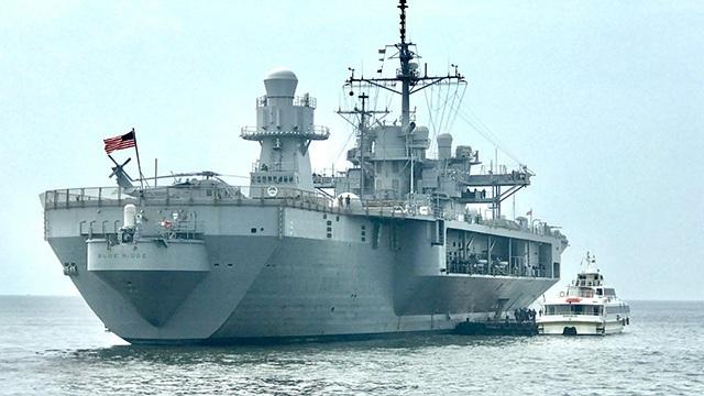 Tàu chỉ huy hiện đại nhất của Hải quân Mỹ đi qua Biển Đông - 3