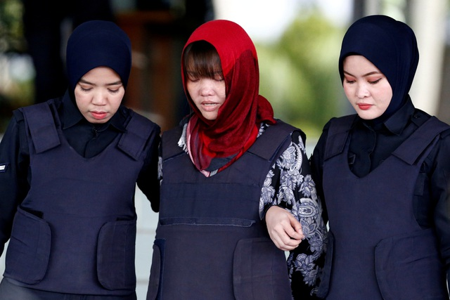 Bố Đoàn Thị Hương buồn khi con gái không được tự do - 2