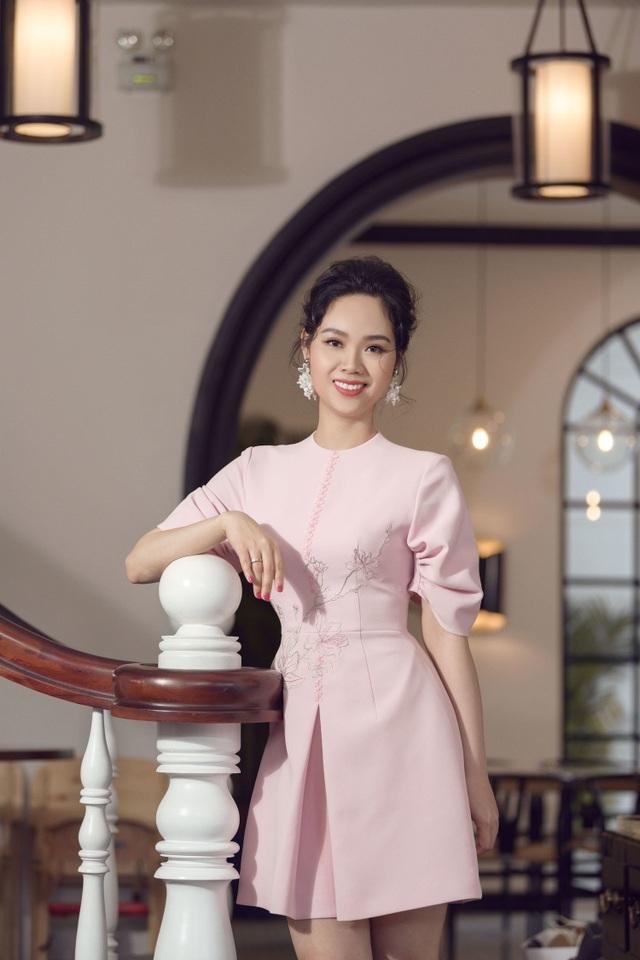 Nhan sắc Hoa hậu Mai Phương ra sao sau 17 năm đăng quang? - 5
