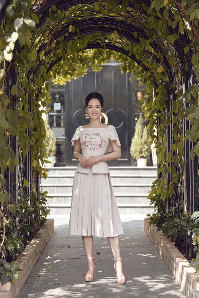 Nhan sắc Hoa hậu Mai Phương ra sao sau 17 năm đăng quang? - 15