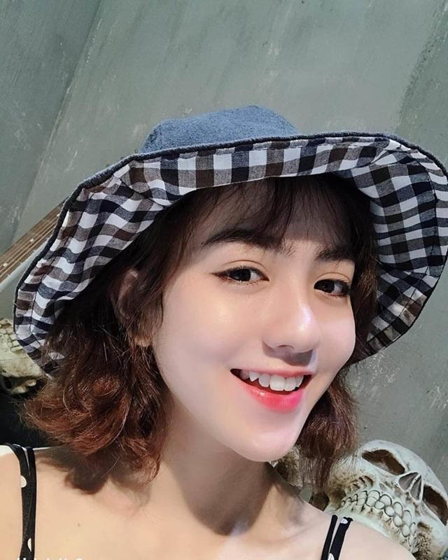 Thiếu nữ Quảng Nam sở hữu gương mặt xinh như búp bê - 2