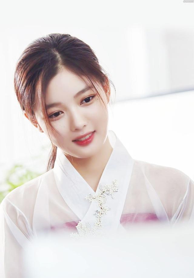 Cách chăm da của cô gái 19 tuổi xinh nhất xứ Hàn - 1