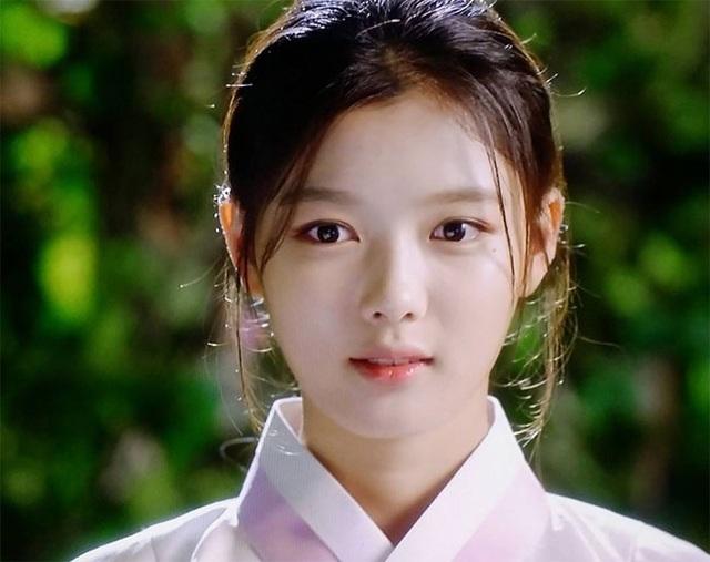 Cách chăm da của cô gái 19 tuổi xinh nhất xứ Hàn - 15