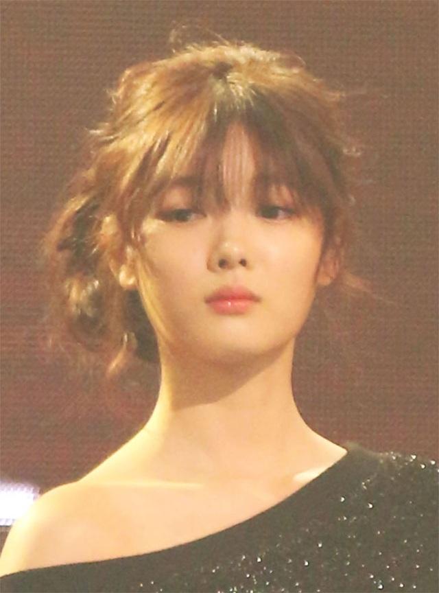 Cách chăm da của cô gái 19 tuổi xinh nhất xứ Hàn - 16