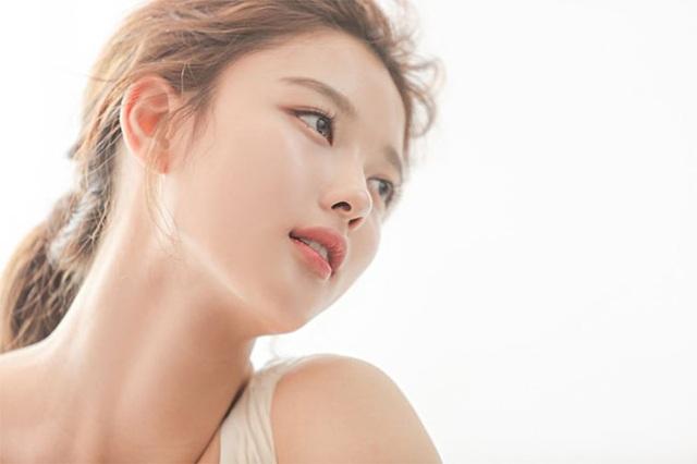 Cách chăm da của cô gái 19 tuổi xinh nhất xứ Hàn - 4