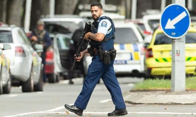Xả súng liên tiếp ở New Zealand, có tới 30 người có thể đã thiệt mạng - 6
