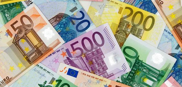 Khoảng 15 người ở làng Villarramiel, miền bắc Tây Ban Nha, đã nhận được phong bì đựng 100 Euro.