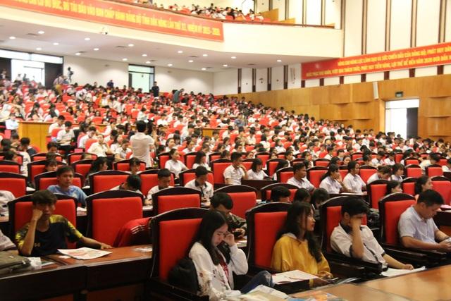Hàng ngàn học sinh THPT được tư vấn tuyển sinh, định hướng nghề nghiệp - 2