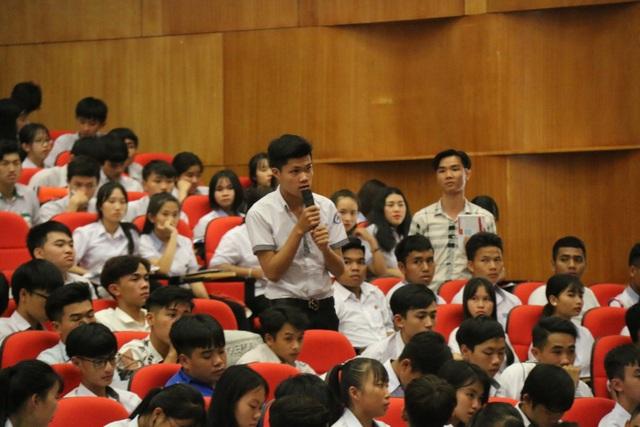 Hàng ngàn học sinh THPT được tư vấn tuyển sinh, định hướng nghề nghiệp - 3