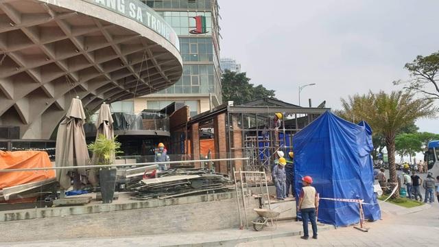 Đà Nẵng cưỡng chế tháo dỡ nhà hàng xây dựng trái phép gần cầu Sông Hàn - 1