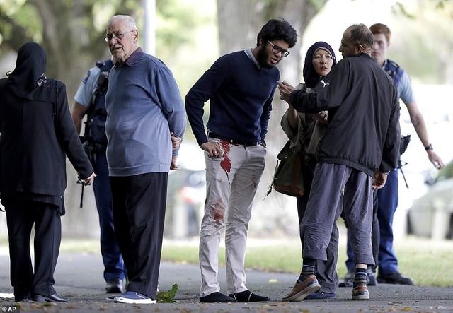 Xả súng liên tiếp ở New Zealand, có tới 30 người có thể đã thiệt mạng - 9