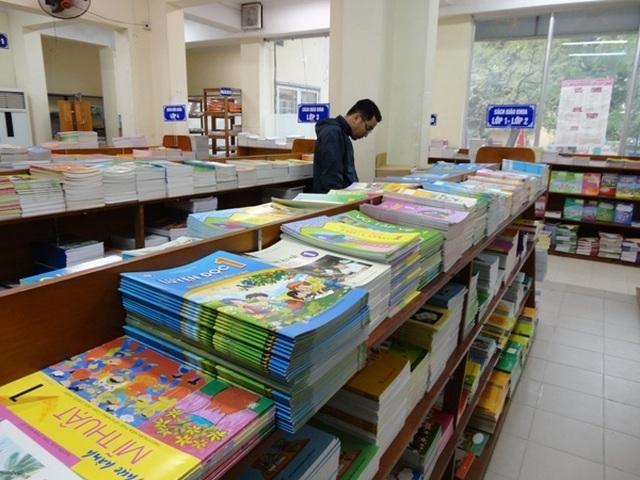 """Bị """"tuýt còi"""" tăng giá sách: Nhà xuất bản Giáo dục trần tình kêu lỗ đã nhiều năm? - 2"""