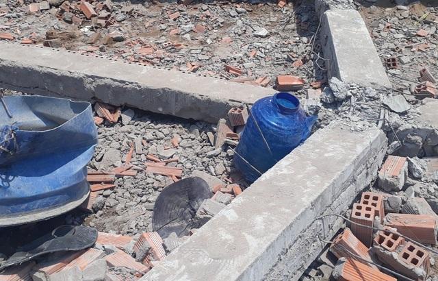 Vụ sập tường khiến 6 người chết: Dừng thi công công trình  - 2