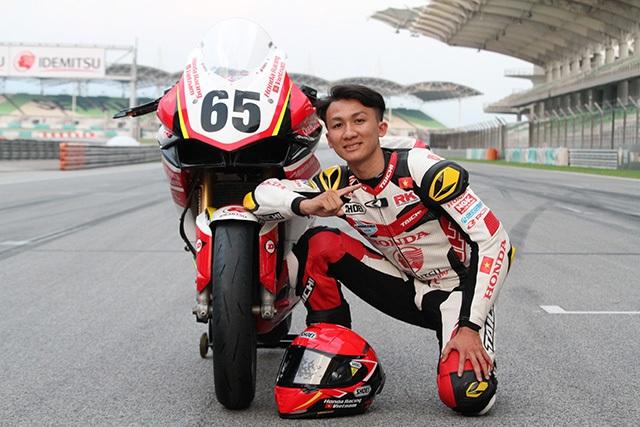 Diện kiến đội Việt Nam đầu tiên tham gia giải đua xe châu Á - 5