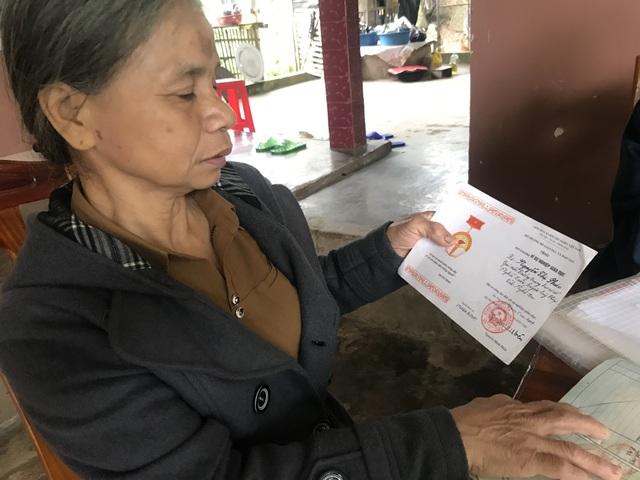 Cả trăm giáo viên cầu cứu mong được trả tiền trợ cấp thâm niên tại Nghệ An - 3