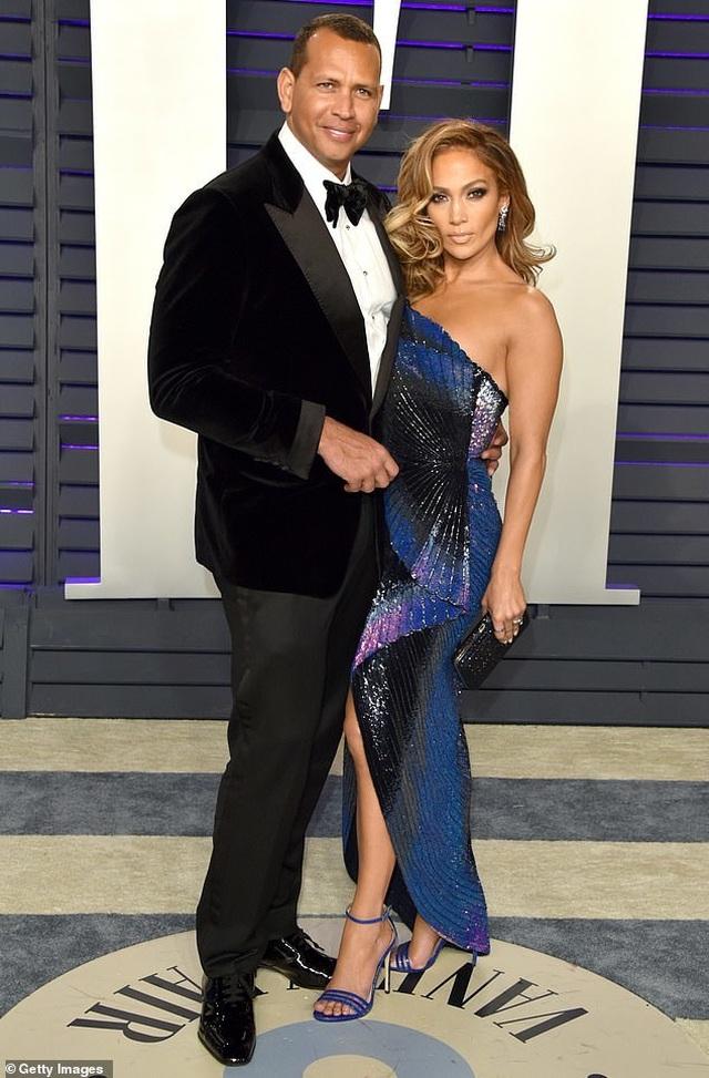 Bạn bè khuyên Alex Rodriguez đừng đùa với Jennifer Lopez - 1