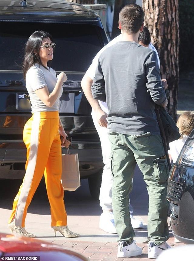 Kourtney Kardashian thân thiết với tình cũ - 4