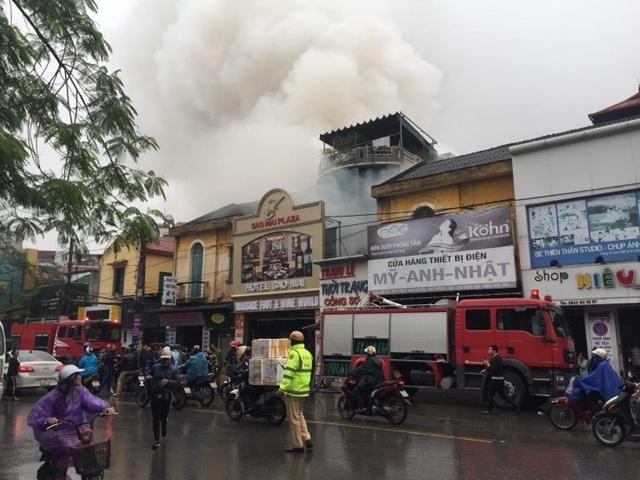Cháy lớn tại khách sạn ở Hải Phòng, một người tử vong - 1