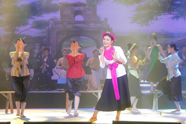 ca khúc Chàng vinh quy do NSUT Phạm Phương Thảo sáng tác và biểu diễn đạt huy chương Vàng Liên hoan CMN 2018.jpg