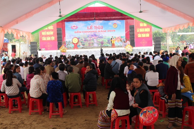 Hàng ngàn người dự Lễ hội ở ngôi đền thờ nàng Nang Phốm Hóm - 14