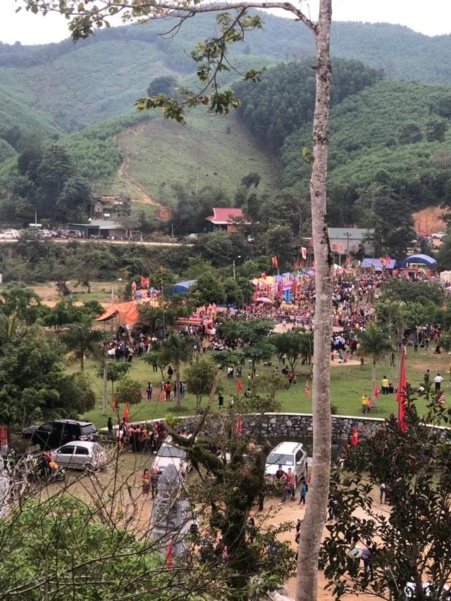Hàng ngàn người dự Lễ hội ở ngôi đền thờ nàng Nang Phốm Hóm - 5