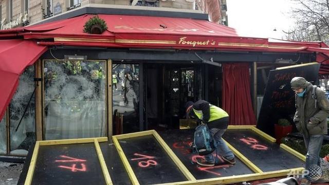 """Biểu tình """"Áo vàng"""" bùng phát tuần 18: Đốt phá, cướp bóc, bạo lực tại Paris - 6"""