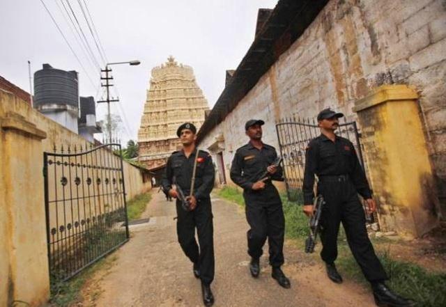 Phát hiện kho báu trị giá hàng tỷ đô la tại một ngôi đền ở Ấn Độ - 6