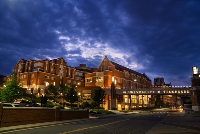Học bổng du học 340triệu/năm  Làm việc hưởng lương tại University of Tennessee Knoxville, Mỹ - 1