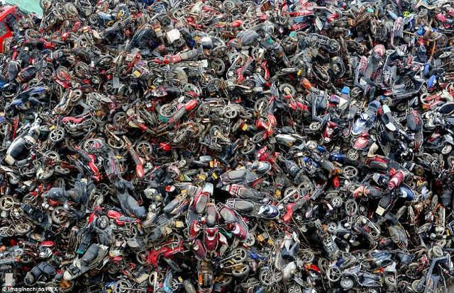 Cận cảnh nghĩa địa xe máy khổng lồ tại Trung Quốc - 2