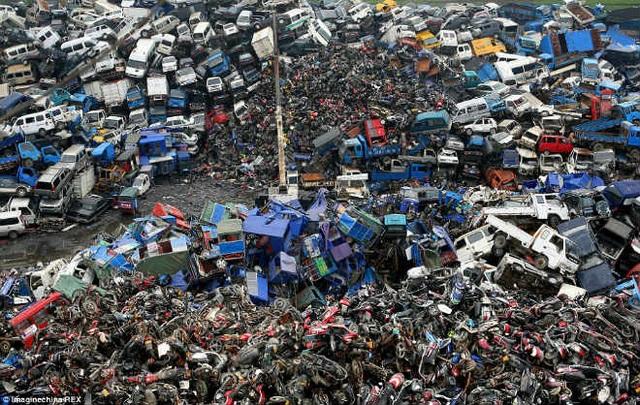 Cận cảnh nghĩa địa xe máy khổng lồ tại Trung Quốc - 3