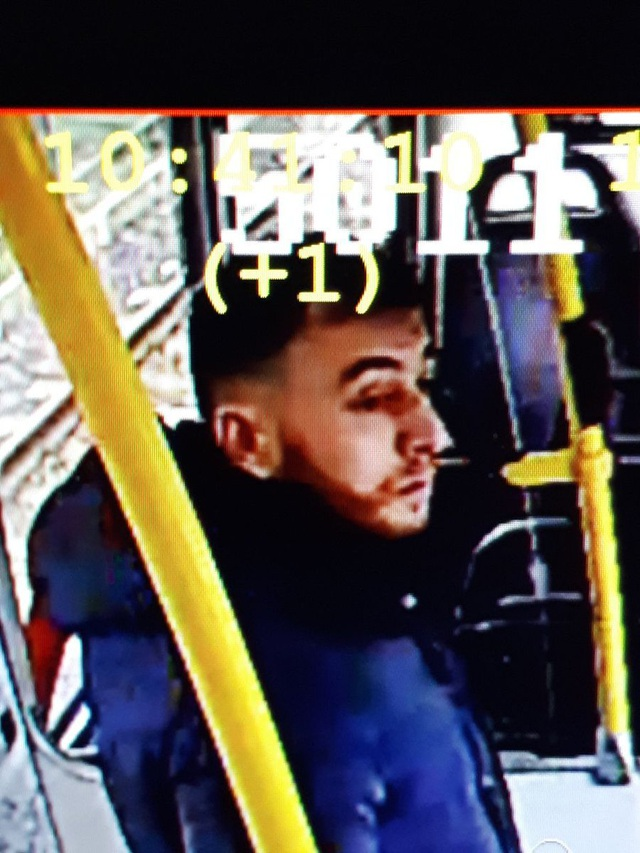 Nổ súng nghi khủng bố trên tàu điện Hà Lan, 3 người thiệt mạng - 2