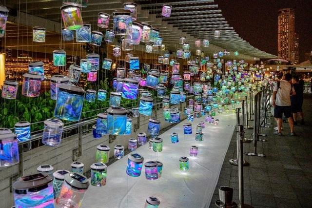 Người Hà Nội hào hứng cùng nghệ sĩ Singapore tạo Rainbow Connection - 3