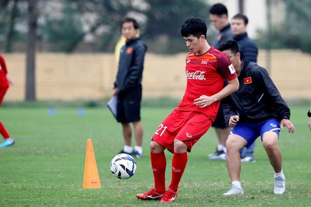 HLV Park Hang Seo xây dựng xong bộ khung chính cho U23 Việt Nam - 1