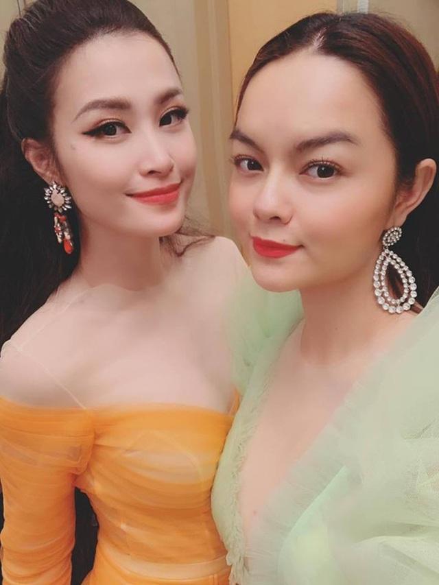 Dong-nhi-pham-quynh-anh-selfie.jpg