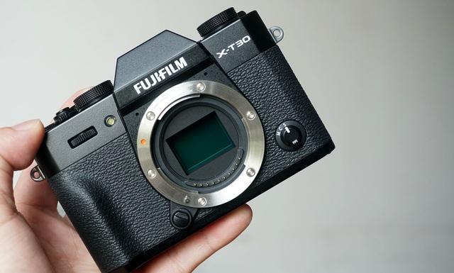 Trên tay Fujifilm X-T30, bản rút gọn của X-T3 giá 21,6 triệu đồng - 11