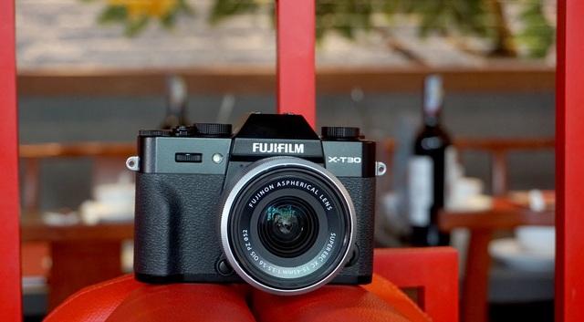 Trên tay Fujifilm X-T30, bản rút gọn của X-T3 giá 21,6 triệu đồng - 8