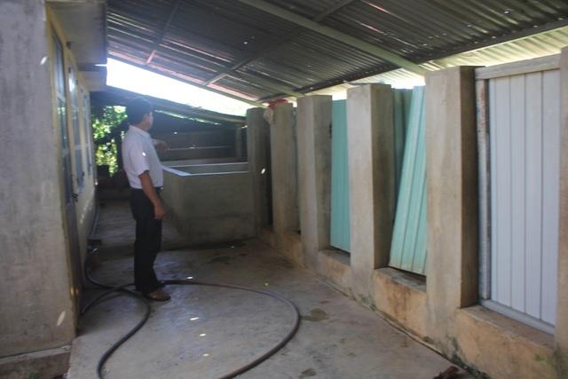 Chung tay xây dựng nhà vệ sinh trong trường học vùng cao - 1