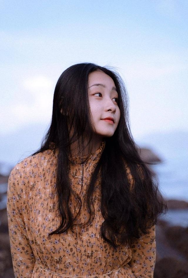 Nữ sinh Đà Nẵng bất ngờ nổi tiếng với bức ảnh tham gia hội thao - 8