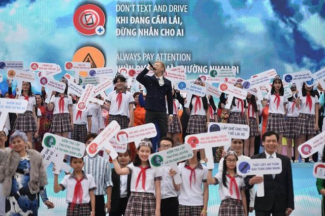 3500 sinh mạng – cuộc vận động vì ATGT lớn nhất thế giới đã đến Việt Nam 8.jpg