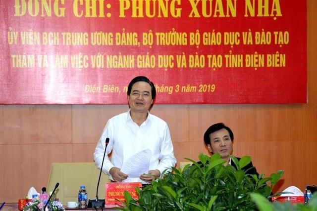 Bộ trưởng Phùng Xuân Nhạ: Không để sĩ số lớp học đông khi sáp nhập trường - 2