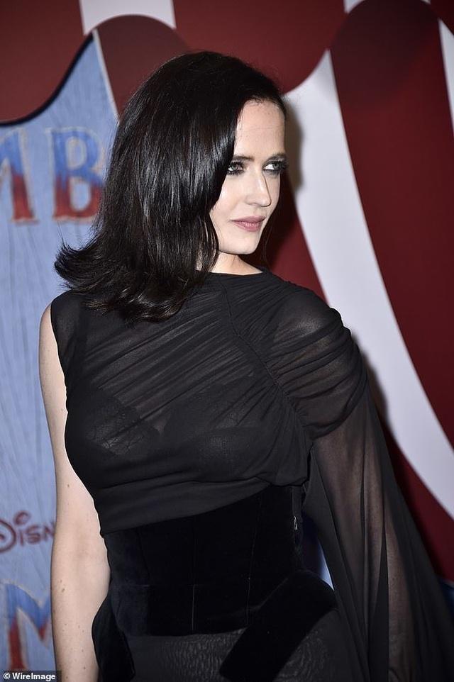 Bond girl Eva Green quyến rũ với váy đen xuyên thấu  - 6