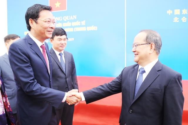 Thông quan cầu Bắc Luân II, cây cầu nối Việt Nam - Trung Quốc - 3