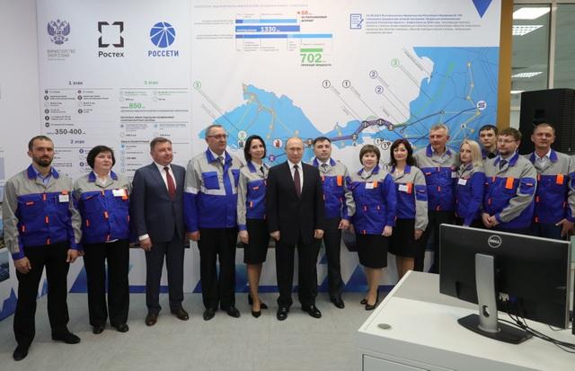 Ông Putin khai trương 2 nhà máy điện mới tại Crimea sau khi Ukraine cắt điện - 2